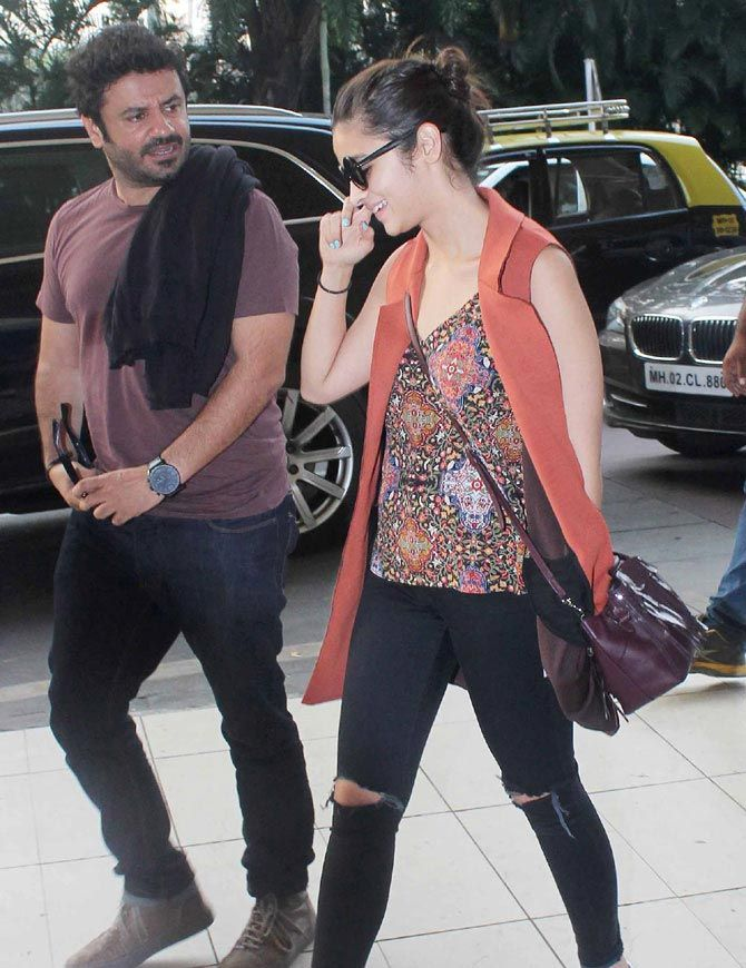 Spotted: Alia Bhatt, Shilpa Shetty at Mumbai airport