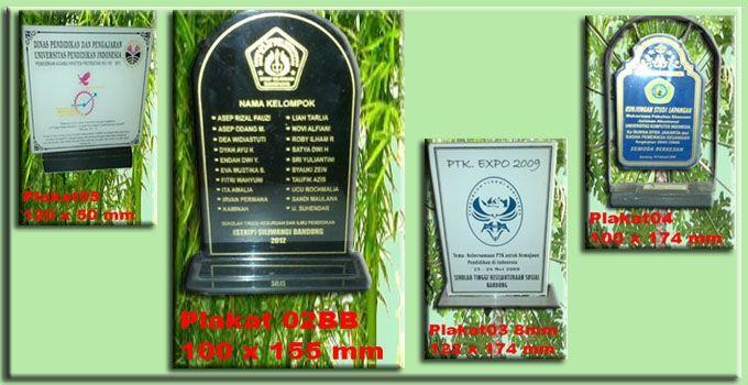Stempel Warna, Papan nama, Gantungan Kunci Plakat Mug Foto / ID Card, Kartu nama,Plakat,Gantungan Nama http://sentralutama.com/