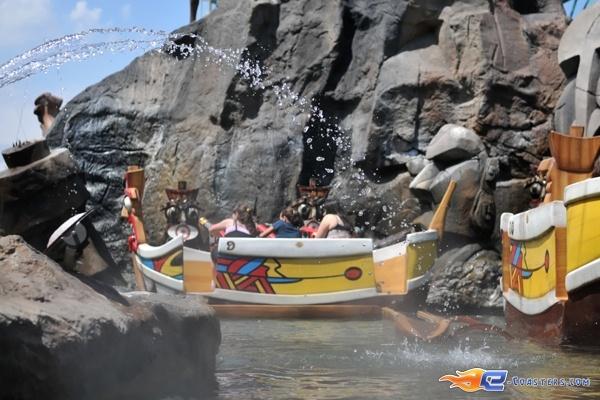 1/13 | Photo de l'attraction Raratonga située à Mirabilandia (Italie). Plus d'information sur notre site http://www.e-coasters.com !! Tous les meilleurs Parcs d'Attractions sur un seul site web !!