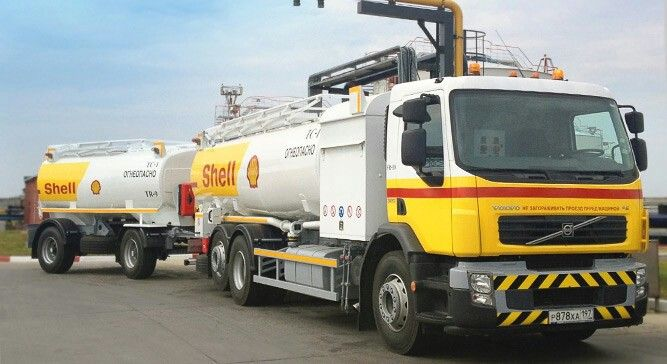 Shell Aviation fuel tanker