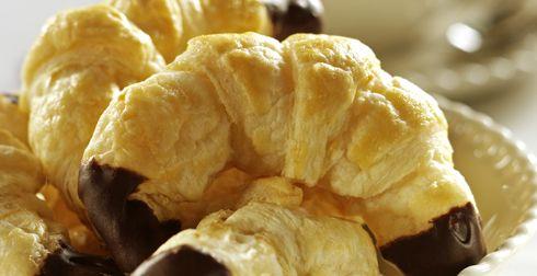 Cuernitos-rellenos-de-chocolate