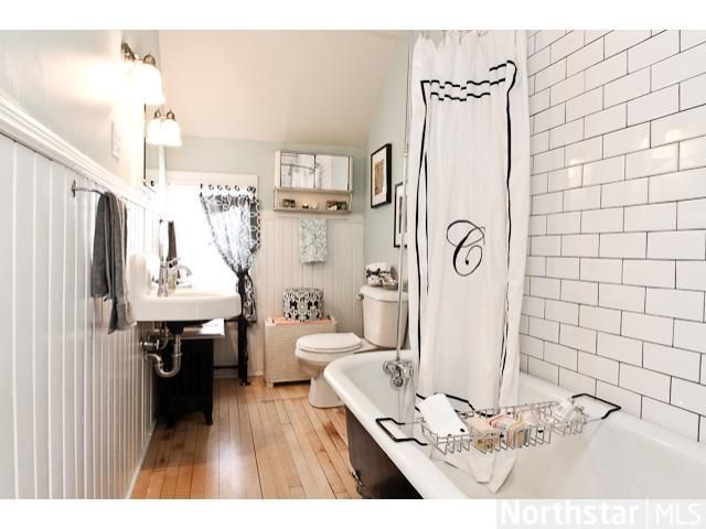 Love this bathroom renovated by the rehab addict for Bathroom rehab ideas