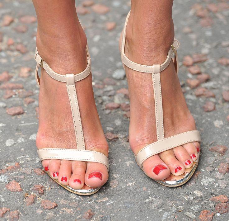 Melanie Sykes Feet 696887 Jpg 1209 215 1167 Stopy