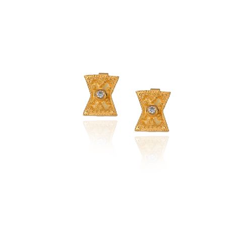Byzance earrings in 18KT yellow gold with diamond.