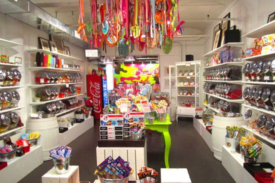Step Inside Dewey's Candy in DUMBO (Brooklyn, NY)