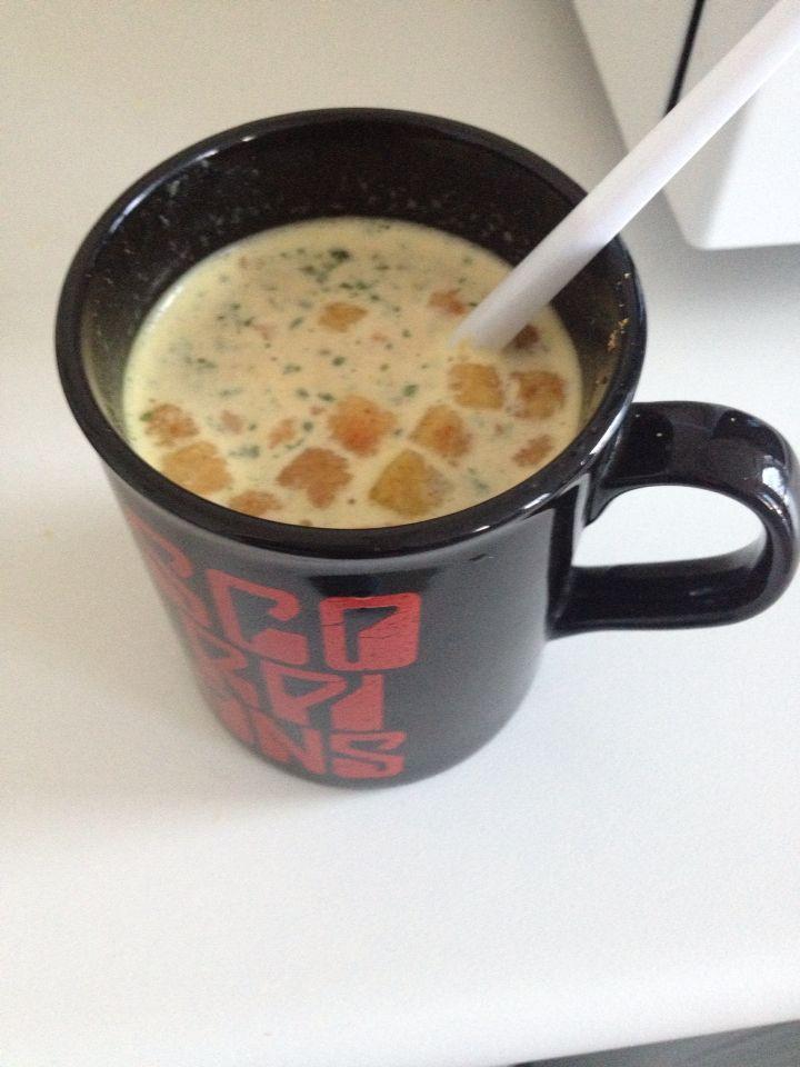 Pose soupe Royco...