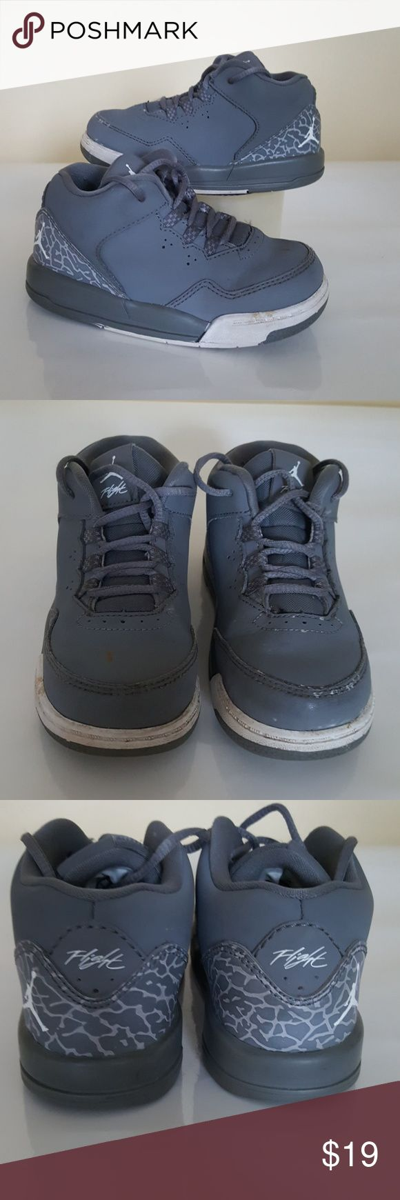 Toddler Jordan shoes In good used condition. Shows some wear see photo 2. Size 8c Jordan Shoes Sneakers