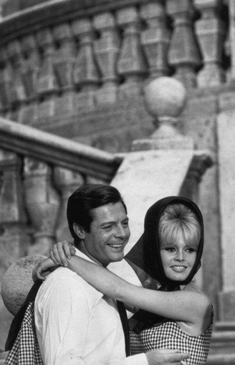 Brigitte Bardot and Marcello Mastroianni on the set of Vie Privee, 1961.
