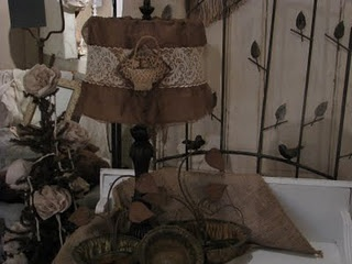 pretty burlap embellished lampshade