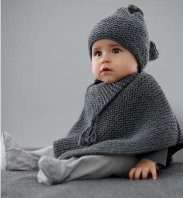 erkek gri şapkalı panço