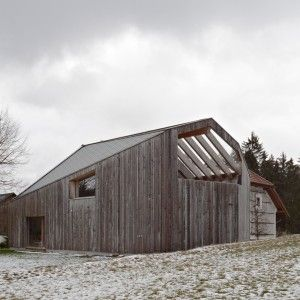 Traditional+farmhouse+in+Austria+updated+with+contemporary+extension