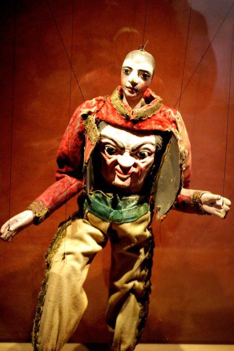 An extraordinary Transformation Puppet