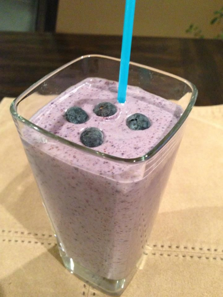 Fat blasting Blueberry Protein Smoothie - packed with healthy fats, protein, fibre, antioxidants, vitamins and more.