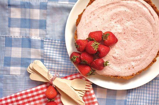 frozen strawberry margarita pie | Perfect pie! | Pinterest