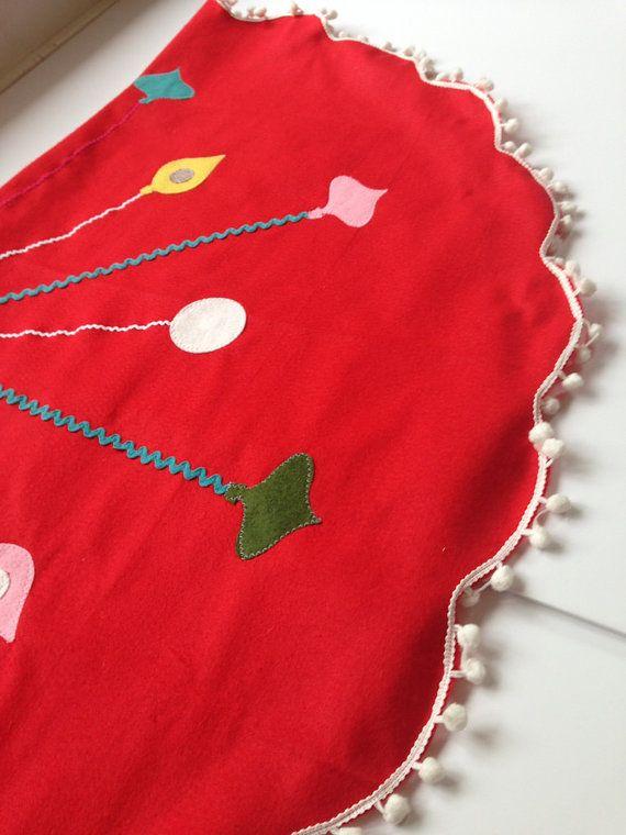 christmas tree skirt - 60s modern scandanavian inspired tree skirt - felt with pom poms and felt ornaments - folksy holiday