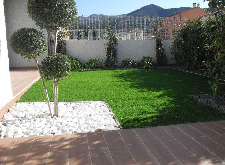 Gazon synthetique pierres et arbres sur perpignan for Espace vert perpignan