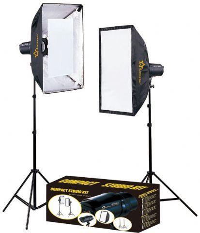 Linkstar Studioflitsset DLK-2350D Digitaal  De Linkstar Studioflitsset DLK-2350D is een zeer geschikte set voor de serieuze amateurfotograaf die graag met studiolicht wil fotograferen. De set wordt geleverd met twee statieven (95-210 cm) twee moderne flitsers en twee softboxen met een afmeting van 60 cm x 90 cm. Dit maakt de set zeer geschikt voor het creëren van het gewenste lichteffect bij portretfotografie trouwfotografie en productfotografie. De flitsers hebben aan de voorzijde een…
