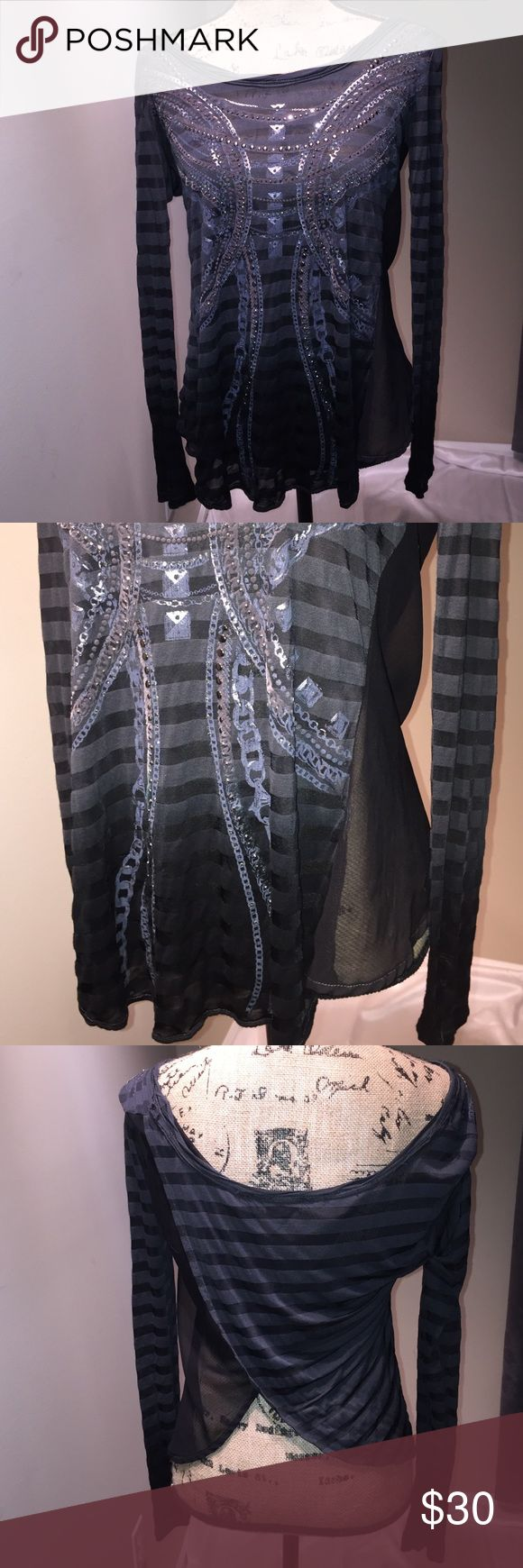 EUC Miss Me Tulip Back Top black, gray & gorgeous! EUC Miss Me brand tulip back top in black and gray with gorgeous detail. Measurements are 14 across the shoulders and 26 inches long. Comes from a smoke free home and ships in one business day, thank you! Miss Me Tops Tees - Long Sleeve