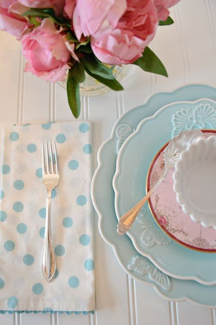 Set The Table with the Colors of Spring
