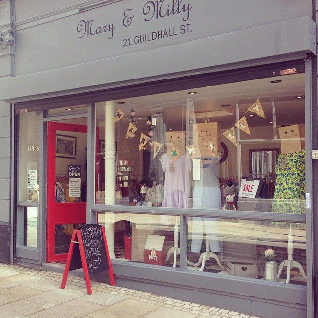 On Wednesdays we re-dress our window! Wander away from the high street onto Guildhall Street, Preston City Centre. Pop into number 21 to shop local in style at Mary & Milly! You can also shop online 24/7 worldwide at www.maryandmilly.co.uk ❤️