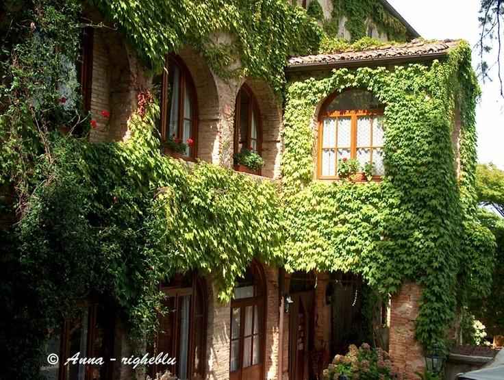 Hotle Convento Santa Chiara in Sarteano, Italy. Photo by Anna from http://ideeweekend.blogspot.com