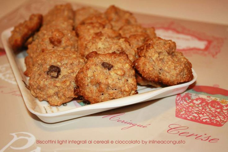 Biscottini light integrali ai cereali e cioccolato