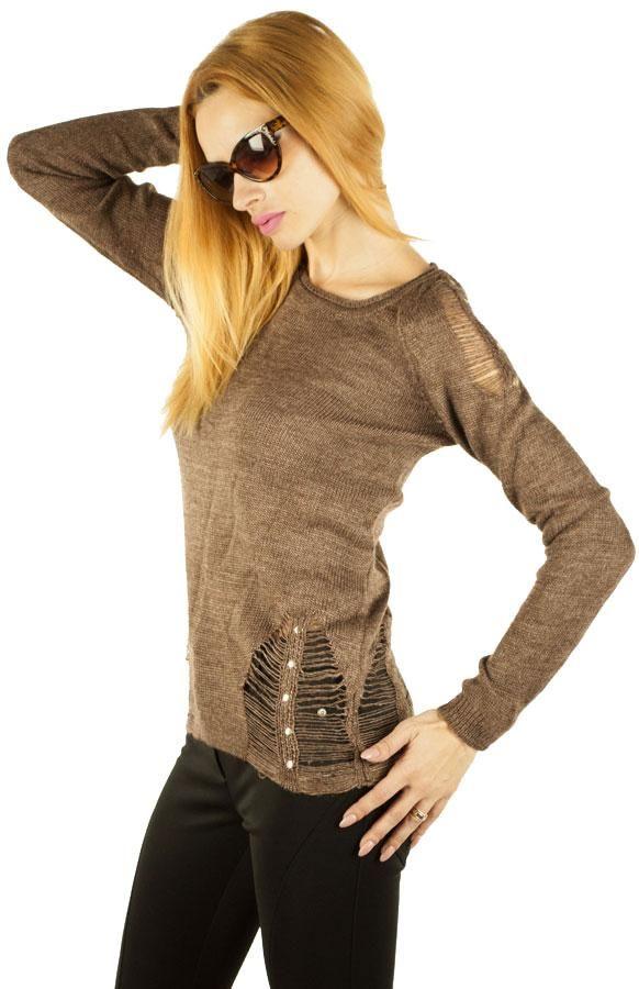 Pulover Dama Perry  Pulover dama din tricot, ce cade lejer pe corp. Material fin, moale, ideal pentru sezonul rece. Detalii la umeri si in partea de jos.     Lungime: 62cm  Latime talie: 39cm  Compozitie: 70%Lana, 30%Acryl