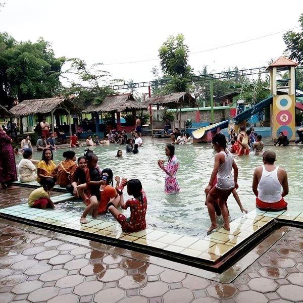 Wisata Terapi Pemandian Air Panas Gunung Torong