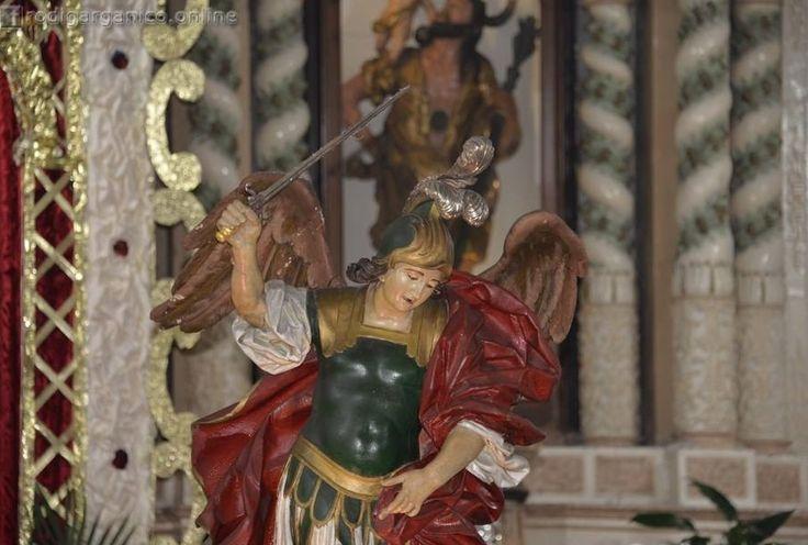 Scoperte le origini della statua di San Michele custodita in San Nicola di Mira - http://blog.rodigarganico.info/2016/cultura/scoperte-le-origini-della-statua-san-michele-custodita-san-nicola-mira/