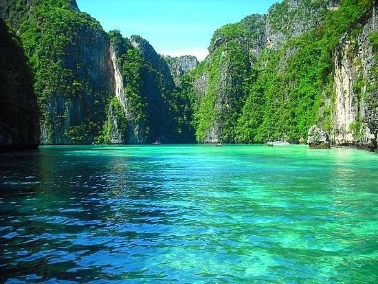 Phi Phi Island http://www.TravelPod.com - Koh Phi Phi Don - Thailand by TravelPod member Savannahrose, from Ko Phi Phi Don, Thailand ... This is the most beautiful place I have ever seen. Unreal.
