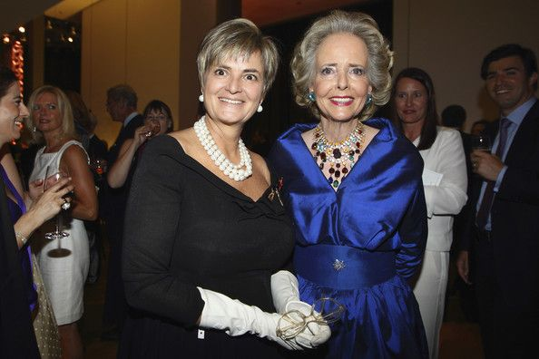 Isa Von Hardenberg GLORIA VON THURN UND TAXIS Photos - )L-R) Gloria von Thurn und Taxis and Isa von Hardenberg attend the 100th anniversary of founder of Springer Verlag publishing group Axel Springer at the Axel Springer house on May 2, 2012 in Berlin, Germany. - 100th Anniversary Axel Springer Ceremony