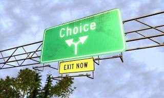 Los seres humanos somos capaces de elegir entre diferentes opciones de manera voluntaria pero estas pueden repercutir en la sociedad de alguna manera¿me consideraría responsable de ello? o no soy responsable de lo que no haya causado por una elección voluntaria?
