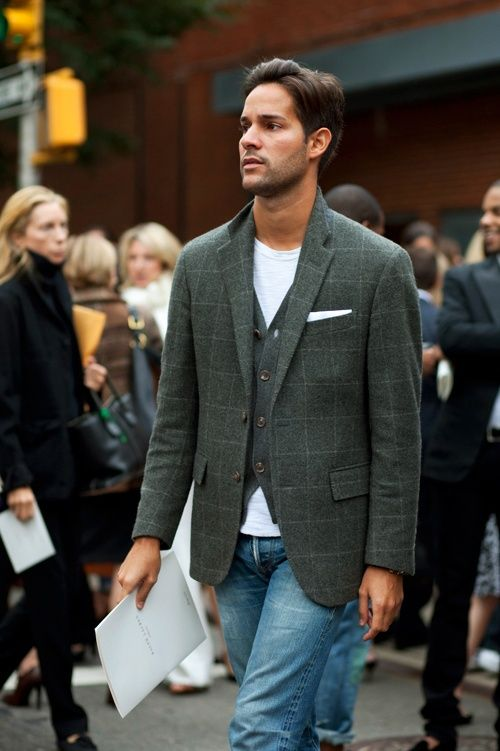 Pour Monsieur | Gentlemen Style | stylish-men-looks-with-jeans-suitable-for-work or weekend...- Styleoholic