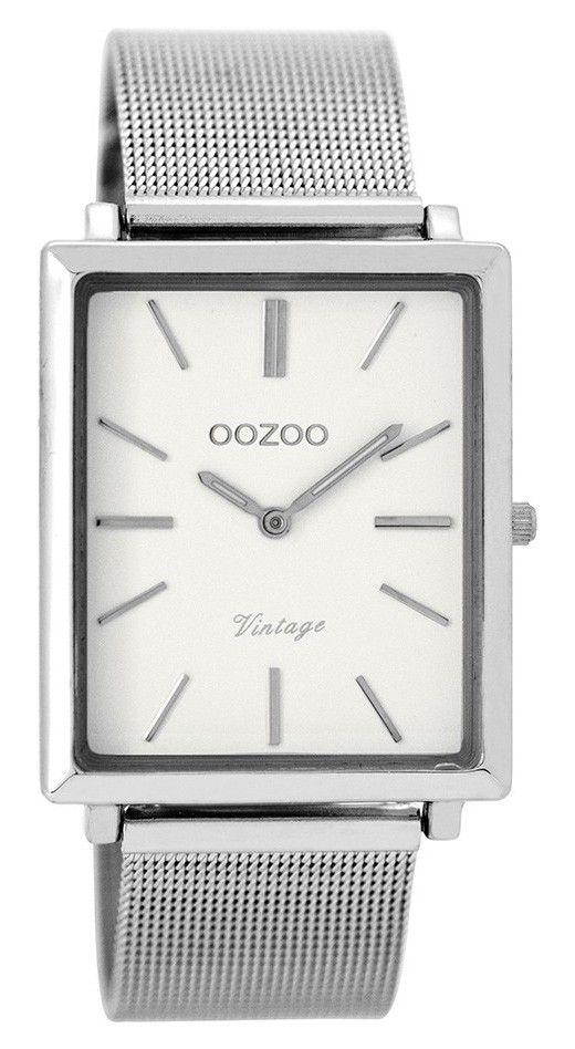 OOZOO Horloge Vintage 31 x 37 mm C8180. Trendy en populair horloge met stalen, zilverkleurige rechthoekige kast. De witte wijzerplaat is voorzien van zilverkleurige index en wijzers. De zilverkleurige, stalen mesh (Milanese) horlogeband sluit door middel van een klepsluiting. De rechthoekige kast is 37 mm hoog en 31 mm breed. Trendy en tijdloos model uit de OOZOO vintage-collectie.