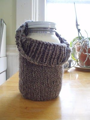 Briney Deep Designs: Yoghurt recipe and how to knit a jar cosy. Although I'd make it slightly bigger, pad it and line it.