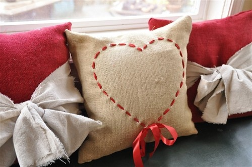 Easy, cute heart pillow