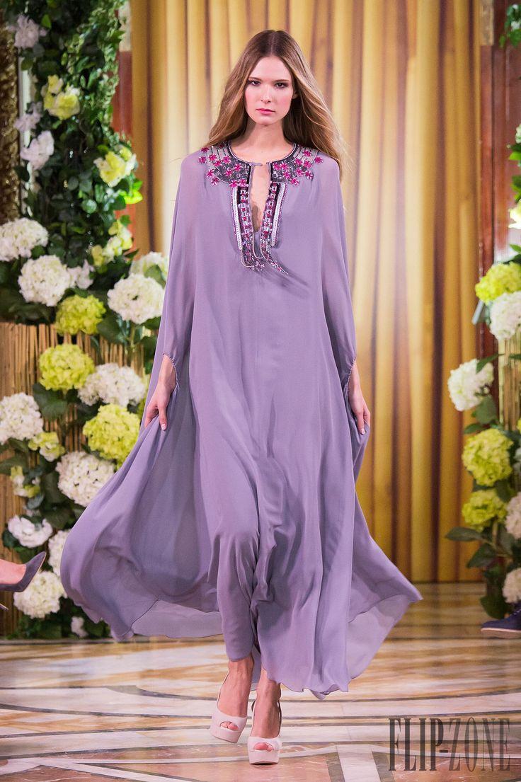 Yulia Yanina Cruise 2015 - Prêt-à-porter - http://fr.flip-zone.com/fashion/ready-to-wear/independant-designers/yulia-yanina-5596