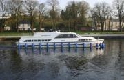 Carrick Craft Canalboat Hire Ireland - Canal Boat Rental in Ireland, Carrick Craft Canalbarge Cruising Holidays throughout Ireland