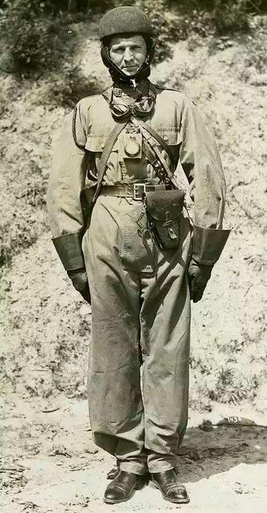 Polish Army tank crew officer uniform 1939 - pin by Paolo Marzioli