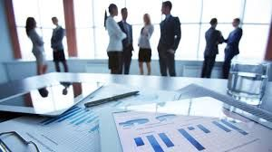 Una empresa es una unidad económico-social, integrada por elementos humanos, materiales y técnicos, que tiene el objetivo de obtener utilidades a través de su participación en el mercado de bienes y servicios.