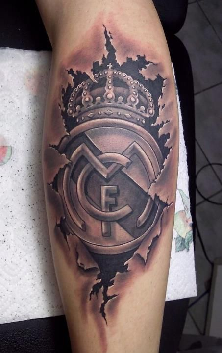 Real Madrid tatt, that what I call a true fan and dedication to the club !!