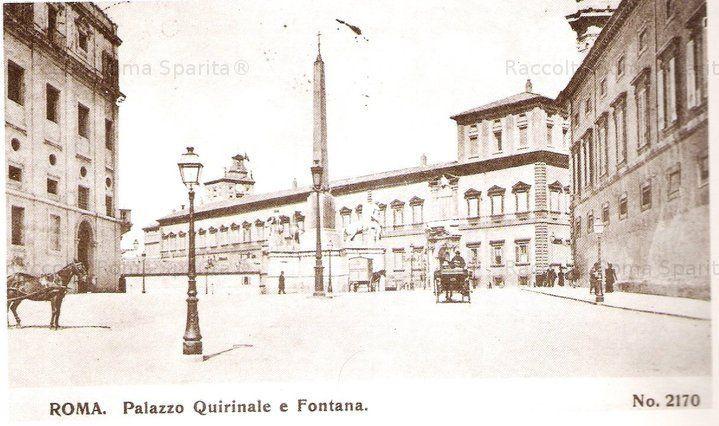 Piazza del Quirinale vista da Via XXIV Maggio, il palazzo a destra e detto il Casino dell'Aurora, affrescato da Guido Reni, al centro la Fontana dei Dioscuri Anno: Inizi '900