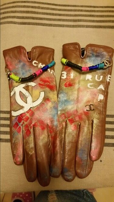 Gloves style Chanel.