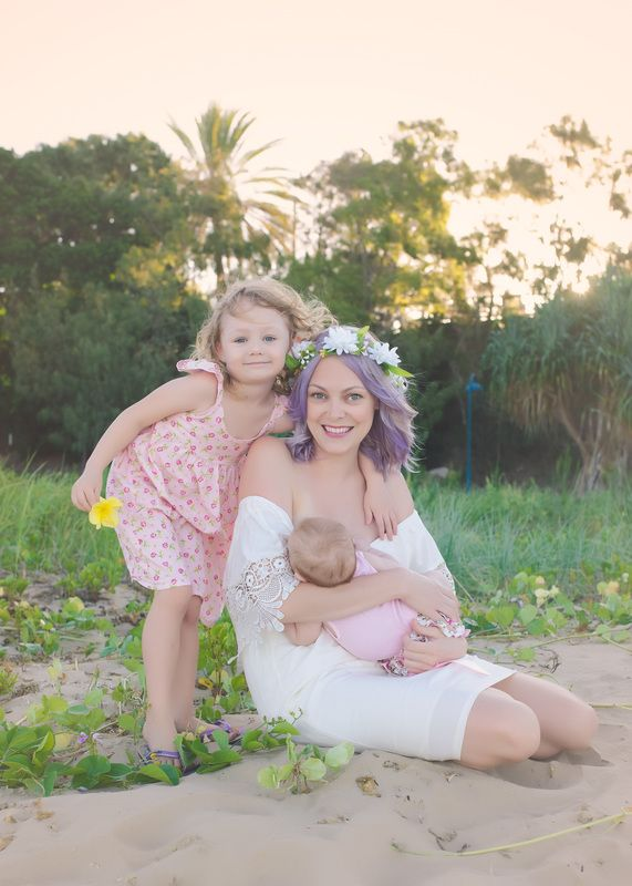 Family Photography - Elizabeth Pohlmann Photography newborn breastfeeding Hervey Bay