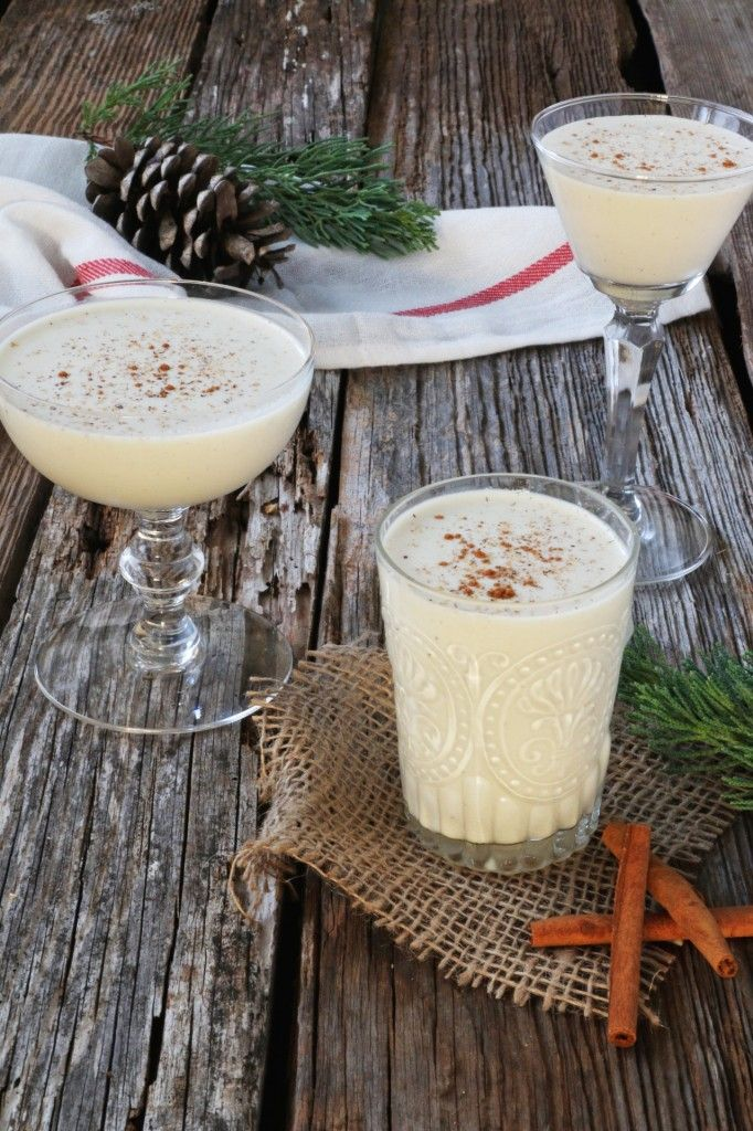 Eggnog (Biblia con Pisco, Rompope, Ron Ponche): Europe & Americas drink made from milk or cream, egg yolk and rum or brandy.