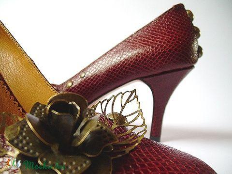 Őszirózsás bőr magassarkú cipő, 37-es