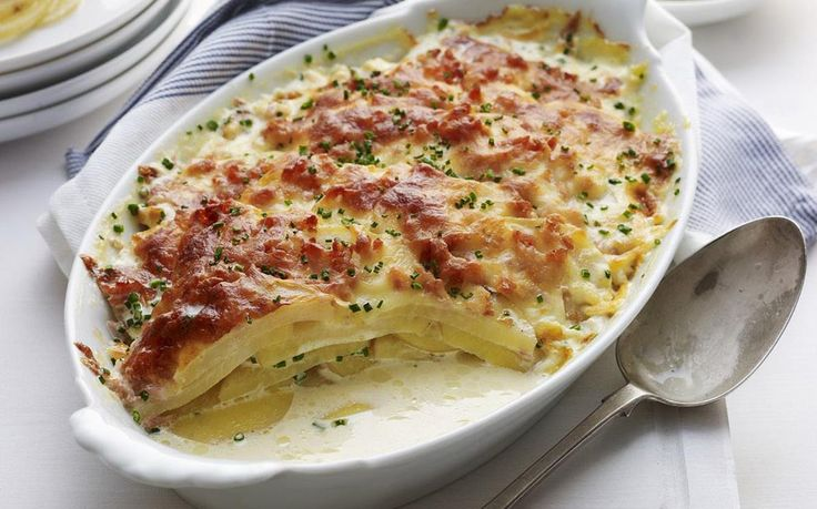 The ultimate comfort food, this super creamy and cheese potato and bacon bake is delicious enjoyed hot out of the oven on it's own, or as a delicious side to a family dinner spread.