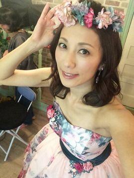 ドレス姿の中田有紀
