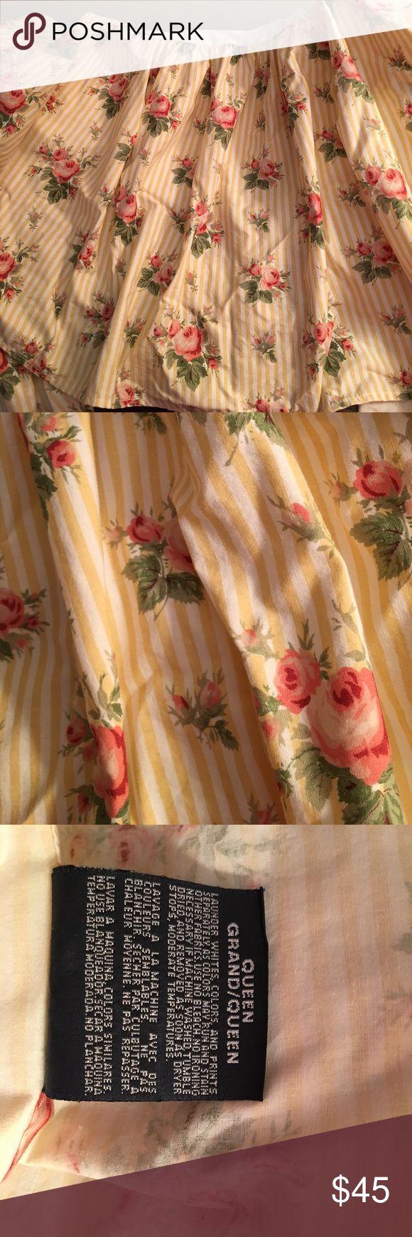 Ralph Lauren Queen Bed Skirt Beautiful Ralph Lauren Queen Size Bed Skirt. 100% cotton. Will be posting coordinating sheets and pillow cases. 🛍💕🌸🌺💐 Ralph Lauren Other