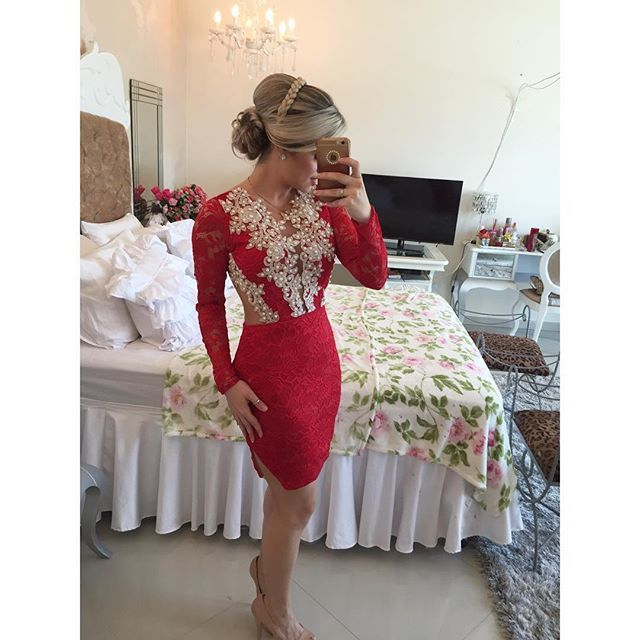Short Red Long Sleeves Tight Homecoming Dress 2017 New Arrival With Pearls Lace V Neck Girls 8th Grade Formal Prom Party Dresses